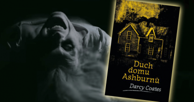 Duch domu Ashburnů – Darcy Coates